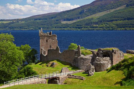 Schotland Kasteel Ruine Loch Ness Meer